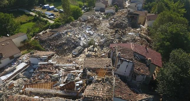 أردوغان يبلغ نظيره الإيطالي تعازيه بعد كارثة الزلزال ويعرض الدعم