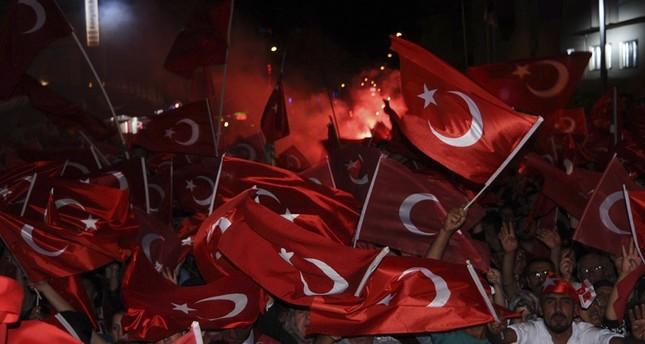 الأتراك ينتاوبون على حراسة الديمقراطية بولاية نوشهير