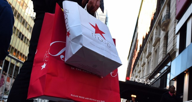 U.S. shoppers in midtown Manhattan, New York.