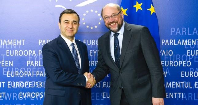 EU parliament chief Martin Schulz (R) with Tuskon president Rızanur Meral in Brussels in March 2015 (Photo courtesy of europarl.europa.eu)