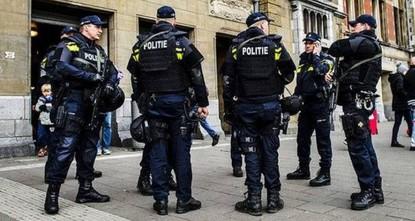 منفذ الهجوم على القنصلية التركية بأمستردام في قبضة الشرطة