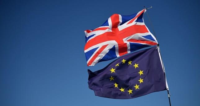 UK, EU reach tentative Brexit deal