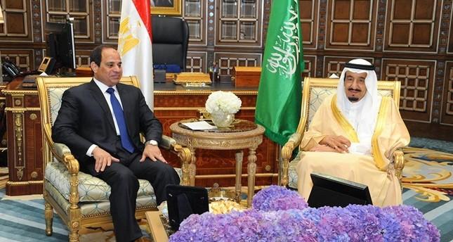 مع تصاعد الخلافات.. السعودية توقف رسمياً شحنات النفط إلى مصر