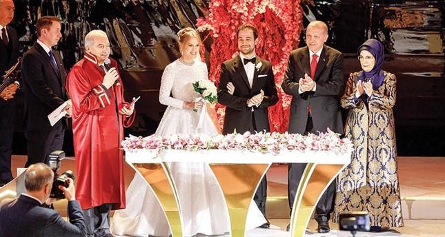 Turkey's Kalyon, Demirören heirs tie the knot in Istanbul wedding