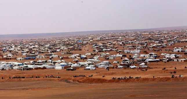 Rights group urges Jordan to let aid into border camp
