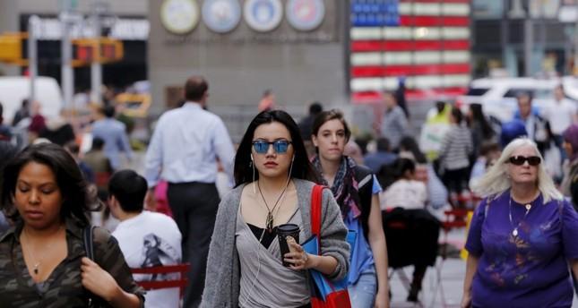 40% من الأمريكيين يعانون مشكلات اقتصادية