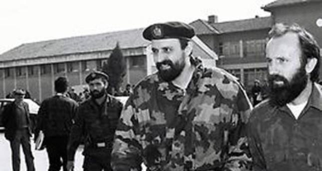 Goran Hadzic (M) 1993 in Belgrad (Foto: Reuters)