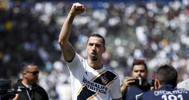 Ibrahimovic salutes fans as he walks off the field after an MLS match in Carson, Calif., March 31, 2018. (AP Photo)