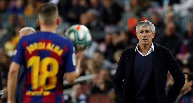 Barcelona coach Quique Setien looks on during the match between Barcelona and Levante, Barcelona, Feb. 2, 2020. Reuters Photo