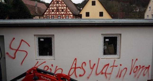 أحد اعتداءات النازيين الجدد في النمسا على مسجد