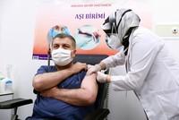 السلطات التركية تمنح الموافقة على استعمال اللقاح الصيني بشكل طارئ