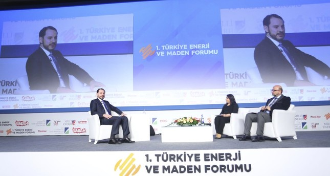Energy Minister Berat Albayrak (L) announced that Turkey will establish the world's largest wind farm as part of the YEKA program at the first Energ and Mining Forum, Istanbul, Feb. 22.