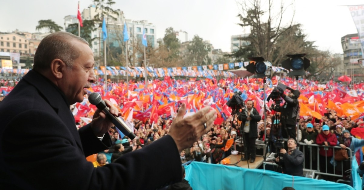 President Recep Tayyip Erdou011fan addresses supporters during an election rally in Trabzon, northern Turkey, March 02, 2019. (AA Photo)