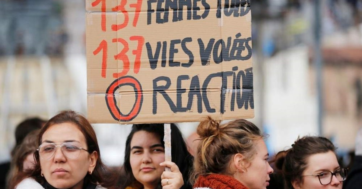 People attend a demonstration against femicide and violence against women, Marseille, Nov. 23, 2019. (REUTERS / Photo)