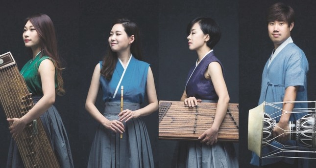 HONA Korea Music Ensemble blends traditional Korean music with a contemporary and aesthetical perspective.