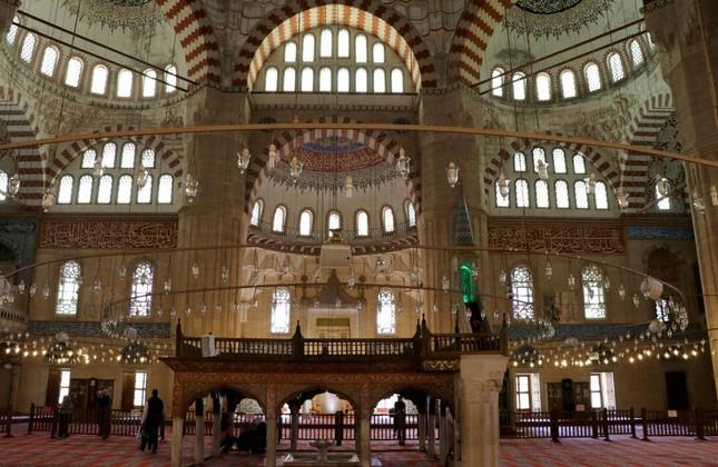 Interior of Süleymaniye Mosque, Mimar Sinan's masterpiece in Edirne.
