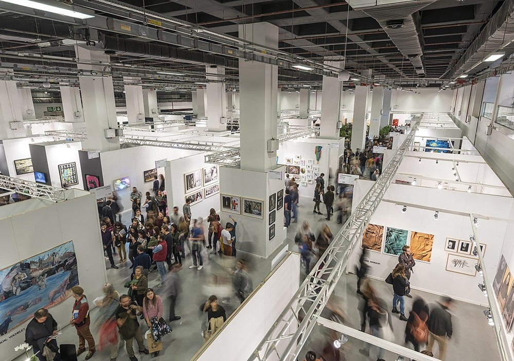 Some 83 galleries, 54 foreign galleries, 650 artists, of which 400 are foreign, will be at Contemporary Istanbul with approximately 2,000 works.