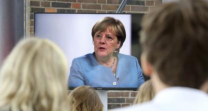 pBundeskanzlerin Angela Merkel sprach sich am Mittwoch bei einem Interview mit YouTube-Stars gegen den Abbruch der EU-Beitrittsgespräche mit der Türkei aus und betonte, dass sie denjenigen in der...