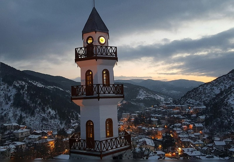 A general view of the northwestern town of Gu00f6ynu00fck and its renowned clock tower. (IHA Photo)