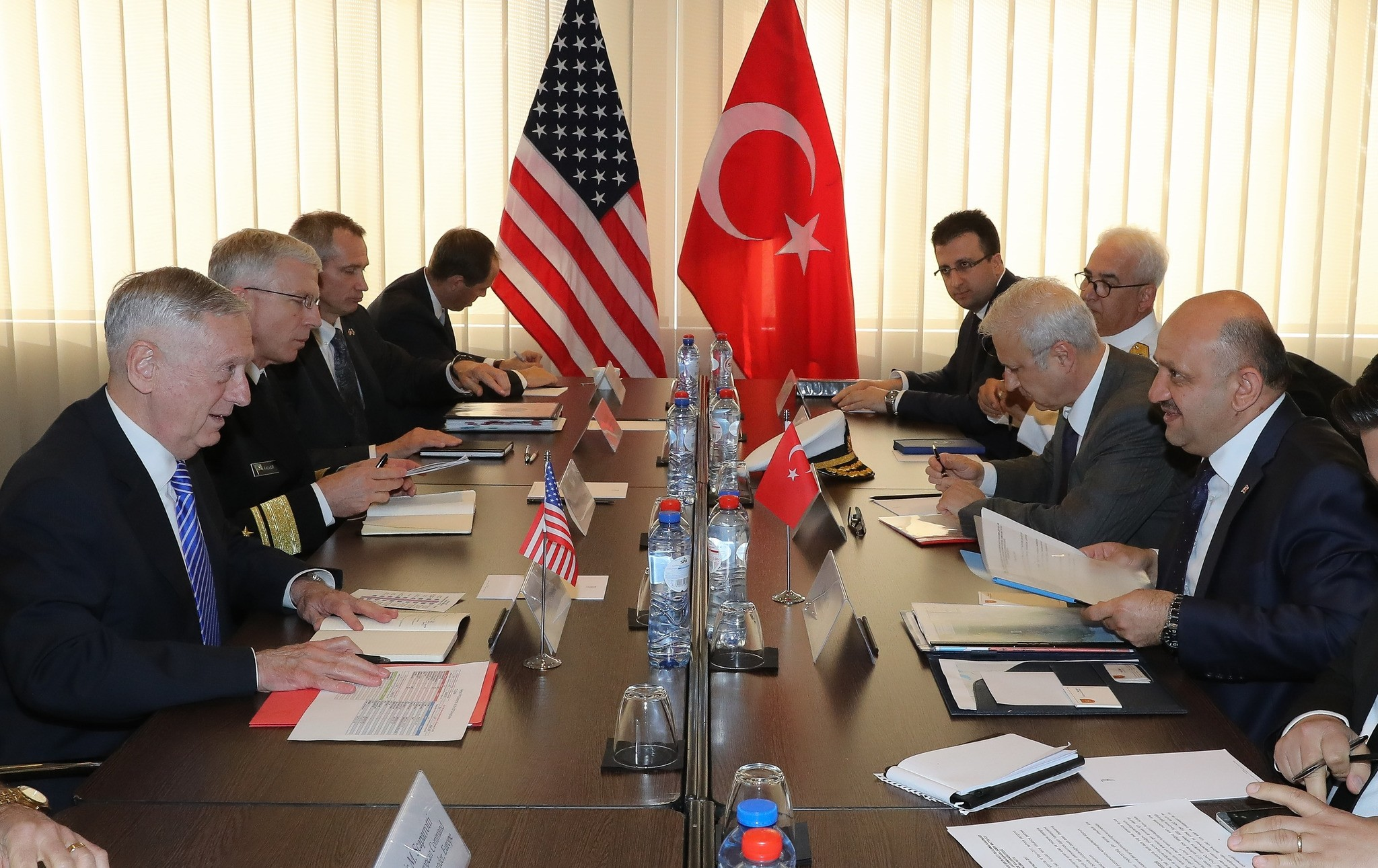 Defense Minister Fikri Iu015fu0131k held a closed-door meeting with U.S. Secretary of Defense James Mattis prior to the  NATO Defense Ministers Meeting in Brussels. (AA Photo)
