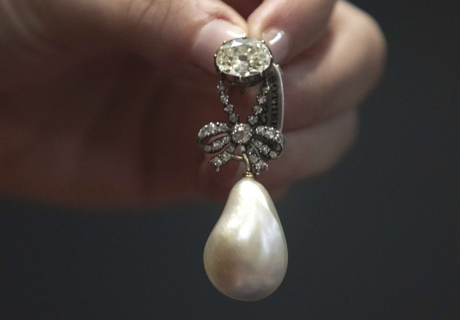 The pearl and diamond pendant owned by Marie Antoinette before she was beheaded during the French revolution.