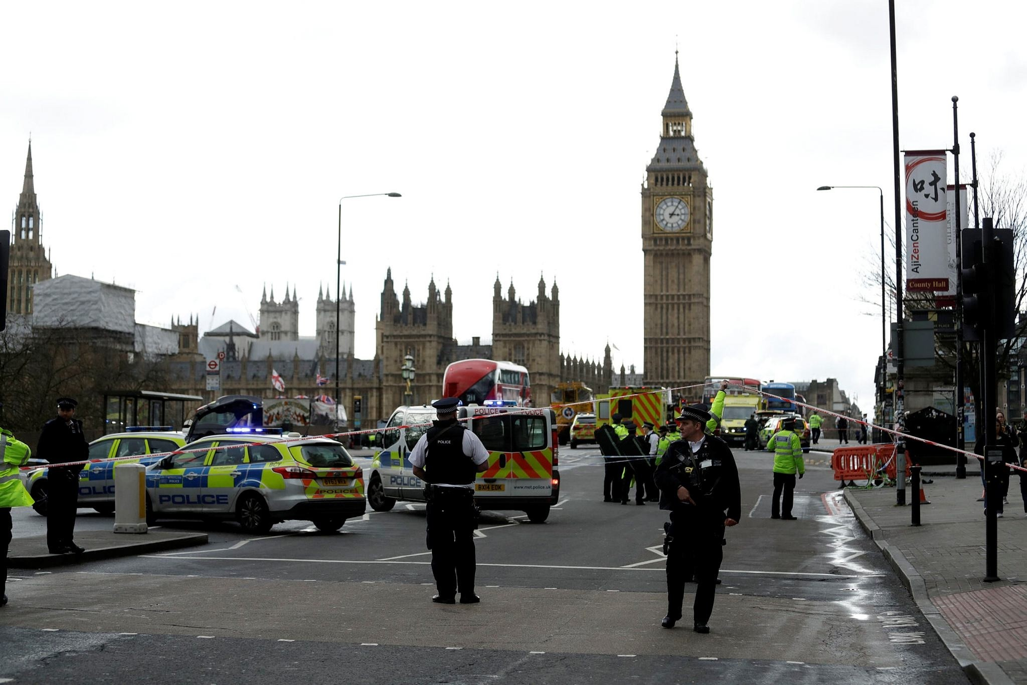 Police secure the area on the south side of Westminster Bridge close to the Houses of Parliament in London, Wednesday, March 22, 2017. (AP Photo)