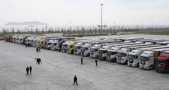الصليب الأحمر يدخل قافلة مساعدات إلى تلبيسة بحمص السورية