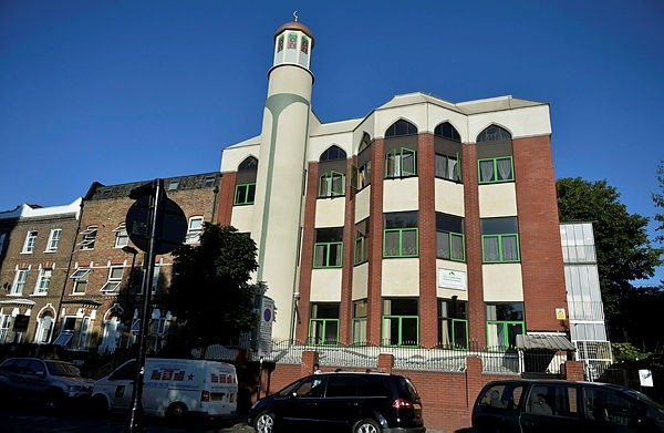 Finsbury Park Mosque has been organizing the Meal  for Allu201d event for the homeless in London for two years.