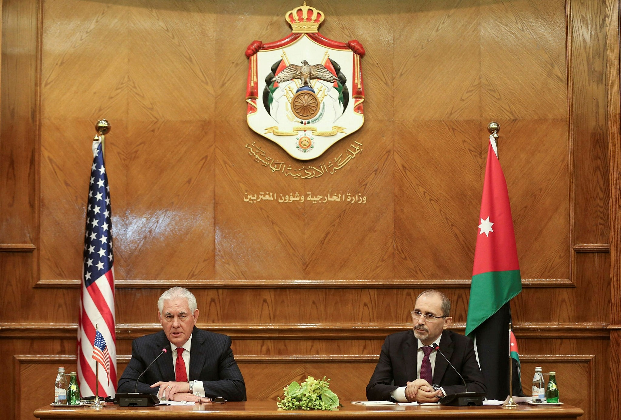 U.S. Secretary of State Rex Tillerson (L) and Jordanian Foreign Minister Ayman Safadi (R) at a joint press conference, Amman, Feb.14.