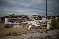 В Греции 6 туристов погибли из-за мощного шторма