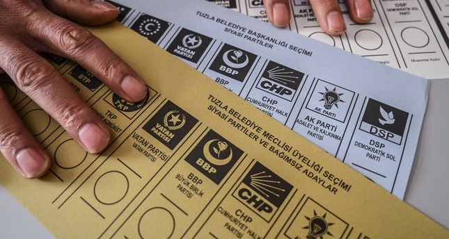 An election official prepares the ballots during local elections in Istanbul, March 31, 2019.