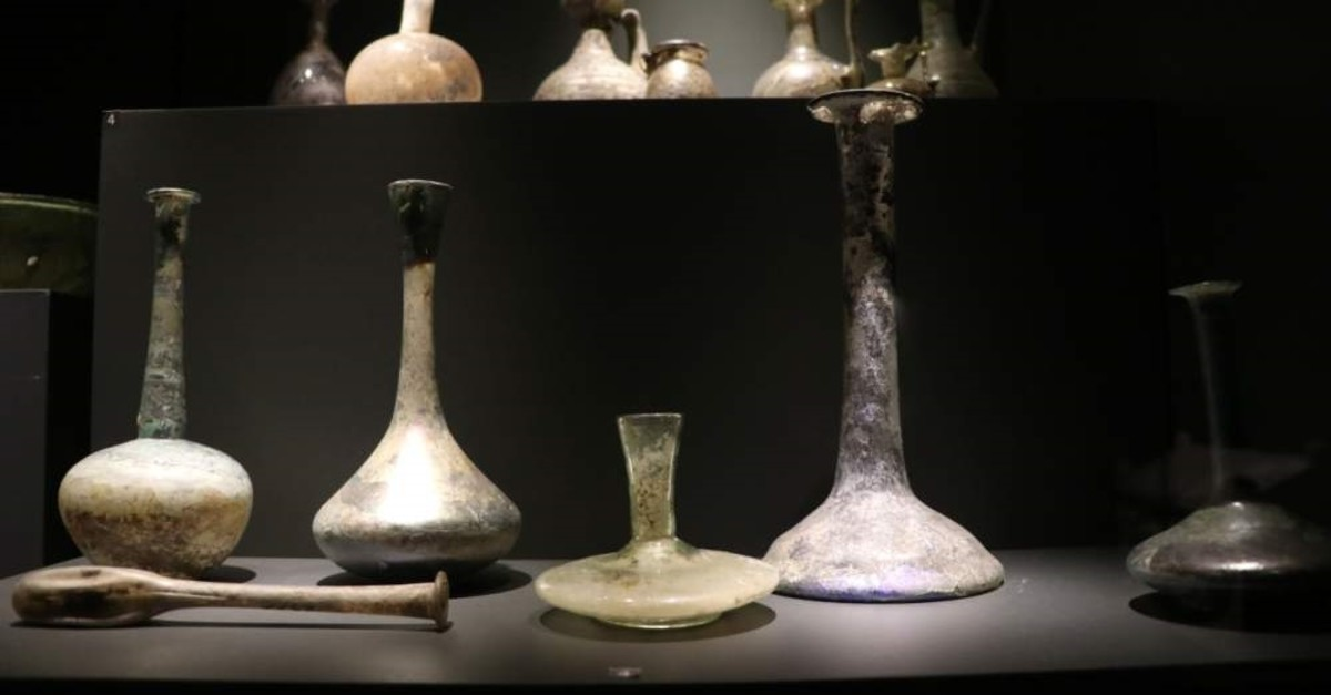 The tear catchers in different shapes such as candelabras, pots and tubes are on display at the museum. (AA Photo)