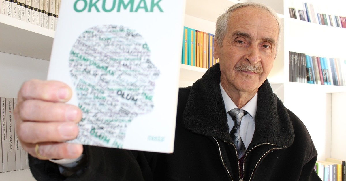 80-year-old Cevdet Urel has become a regular of the book cafe. (AA Photo)