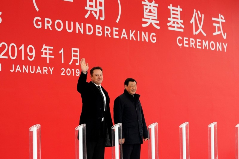 Tesla CEO Elon Musk and Shanghai's Mayor Ying Yong attend the Tesla Shanghai Gigafactory groundbreaking ceremony in Shanghai, China January 7, 2019.  (Reuters Photo)
