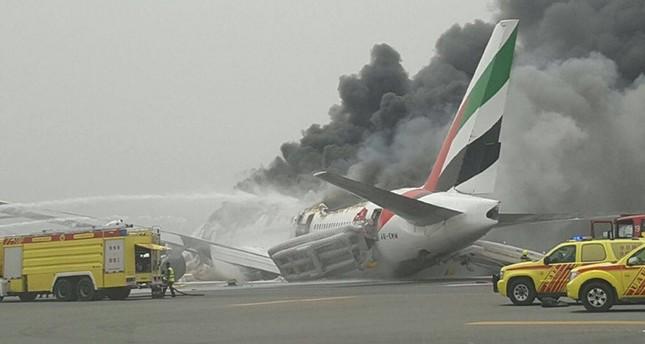 تعرض طائرة لطيران الإمارات لحادث لدى هبوطها في مطار دبي