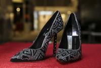 حذاء صنعته شركة بيرم بولات التركية تم بيعه بمبلغ 10 آلاف يورو. (الأناضول)