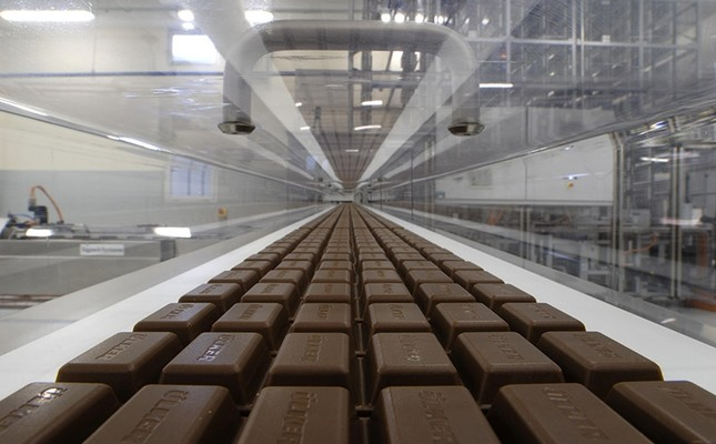 Ülker chocolates are rolling down in one of the pladis factories' production line.