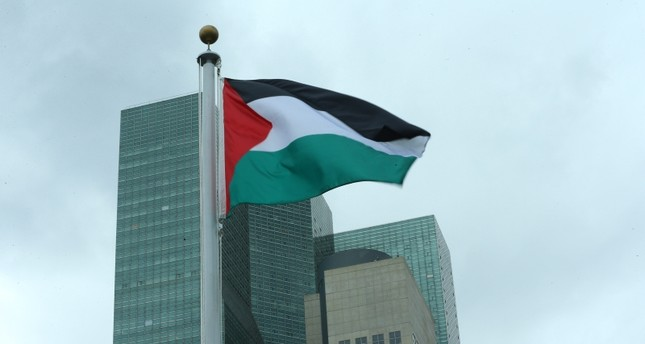 The State of Palestine flag flies for the first time at U.N. headquarters, Wednesday, Sept. 30, 2015. (AA Photo)