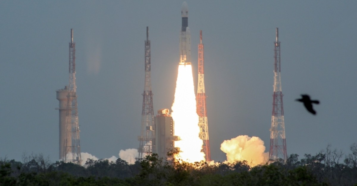India's Geosynchronous Satellite Launch Vehicle Mk III-M1 blasts off carrying Chandrayaan-2, from the Satish Dhawan Space Centre at Sriharikota, India, July 22, 2019. (Reuters Photo)