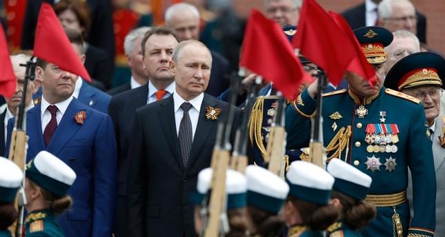 بوتين يبدأ سلسلة اجتماعات عسكرية غدا.. وعدة قضايا حساسة على الطاولة