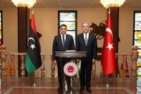 أقار يلتقي نظيره الليبي صلاح الدين النمروش في إسطنبول