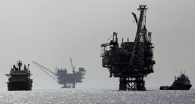 An Israeli gas platform, controlled by a U.S.-Israeli energy group, is seen in the Mediterranean sea, west of Israel's port city of Ashdod, Feb. 25, 2013. (Reuters Photo)