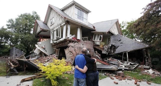 إنقاذ معمرة نيوزيلاندية بعد انهيار منزلها جراء الزلزال