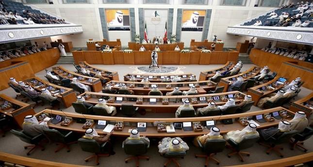 نائب رئيس وزراء الكويت يقدم بلاغاً ضد نفسه للنائب العام