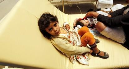 أظهرت وثيقة لمنظمة الصحة العالمية يوم أمس الثلاثاء ارتفاع عدد حالات الإصابة بالكوليرا في اليمن إلى 35217 حالة مشتبها فيها منذ 27 أبريل/نيسان عندما بدأ المرض الانتشار.  ويمثل الرقم زيادة 50 في...