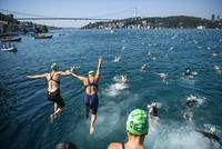 2,400 swimmers gear up for transcontinental race across Istanbul's Bosporus