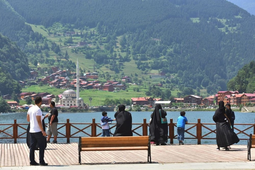 Many tourists coming from the Gulf region choose to spend their vacation near the Black Sea.
