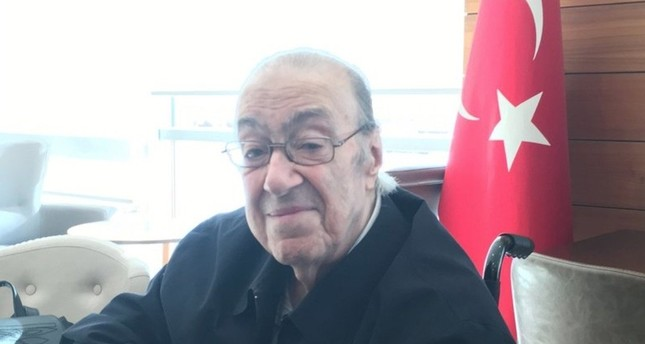 دوندار عبد الكريم عثمان أوغلو، آخر وريث لعرش الإمبراطورية العثمانية المنحلة
