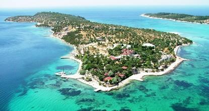 Enjoy the best of Aegean at Izmir's coastal towns