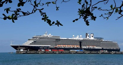 Fears of global contagion rise as cruise ship passengers disperse